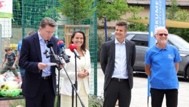 Iain Lindsay és Novák Katalin látogatása a csepeli Közösségi Ponton