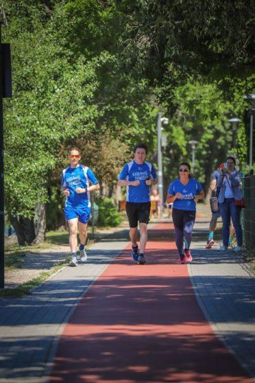 Jótékonysági futólánc rászoruló gyerekekért – Iain Lindsay